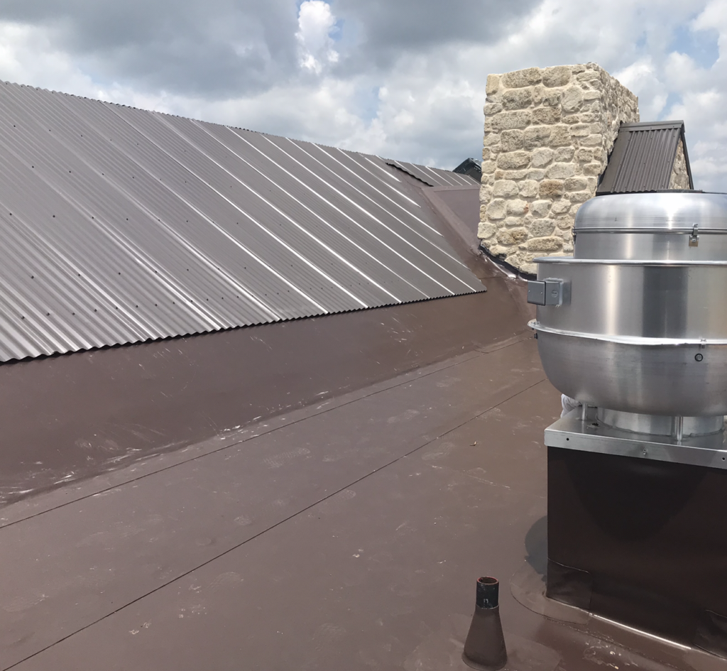 Brown IB PVC Roof at Bow and Arrow Restaurant in Auburn AL
